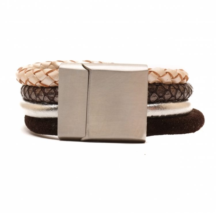 Handgemaakte leren armband vier banden