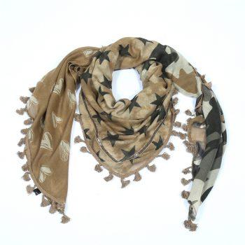 Sjaal met sterren hartjes en figuren-bruin