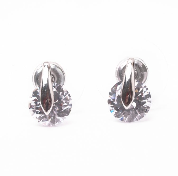 Viva classic oorstekers uitgevoerd zilverkleurig met transparant steentje