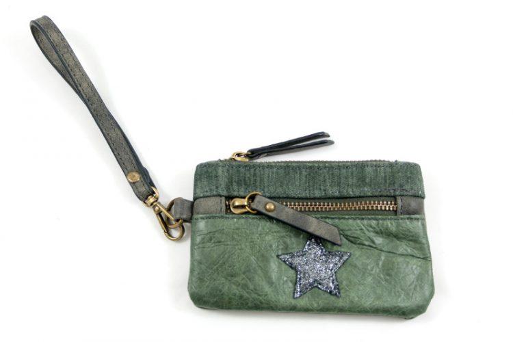 Portemonnee zakformaat groen met polsbandje en ster