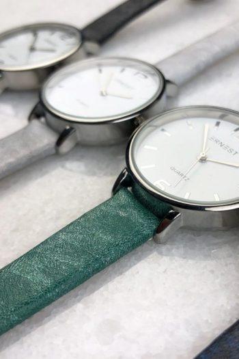 Quartz horloge 30 mm klok gekleurd
