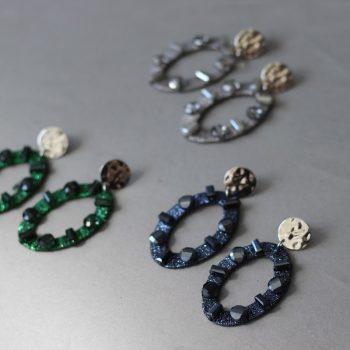 Biba oorbellen ovale hanger met crystal kraal