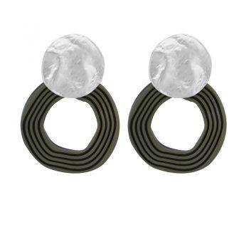 Biba oorbellen zilverkleurige golvende hanger olijf