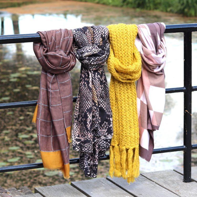 Sjaals voor de winter en het afstijgen van je outfit
