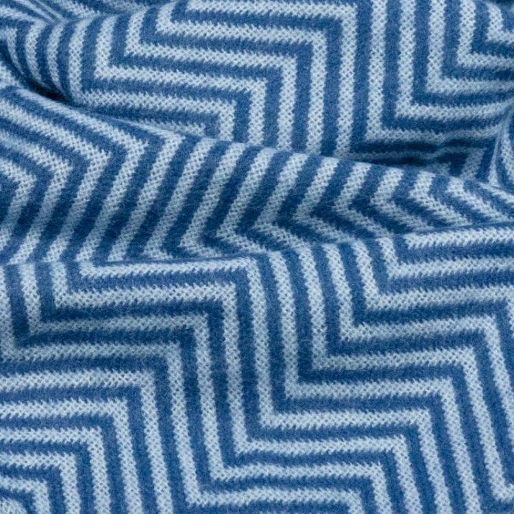 Blauwe lange sjaal visgraat met riempje Lot83