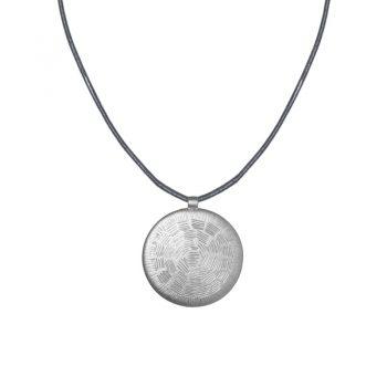 Biba ketting kort met zilverkleurige ronde hanger