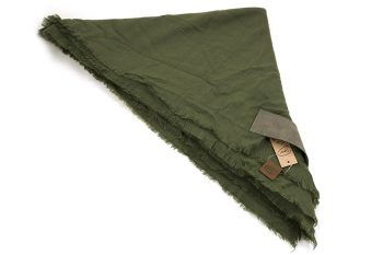 Grote vierkante sjaal groen met PU lederen insteek lus
