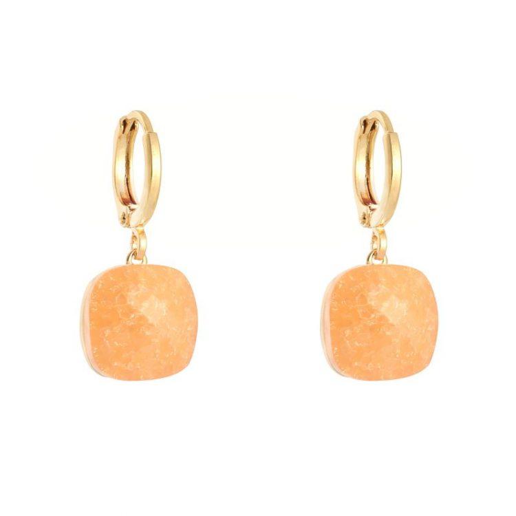 Oorringen goudkleurig klapsluiting met oranje steen