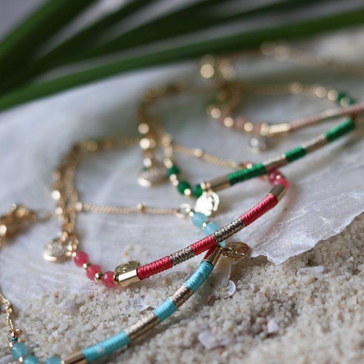 biba armbandje goud met gekleurde natuursteen kralen