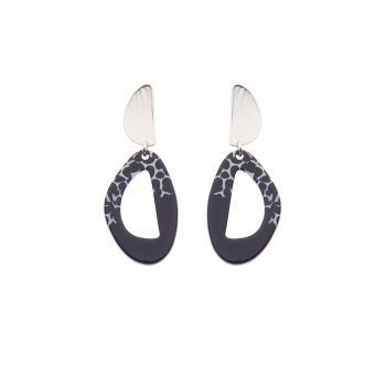 Biba oorbellen Liz zilverkleurig - zwart wit